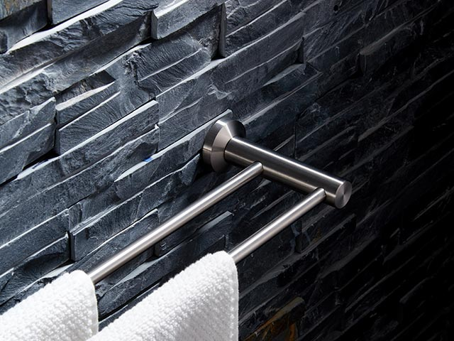 70748 double towel bar